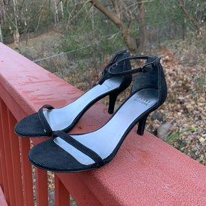 Stuart Weitzman textured black 5M nudistsong heels